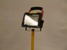 Lexa Ladattava LED- työmaavalaisin 30W jalalla 1x30W LED