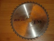 Edullinen teroitettu sirkkelinterä/pyörösahanterä 250/30/2.8 Z40